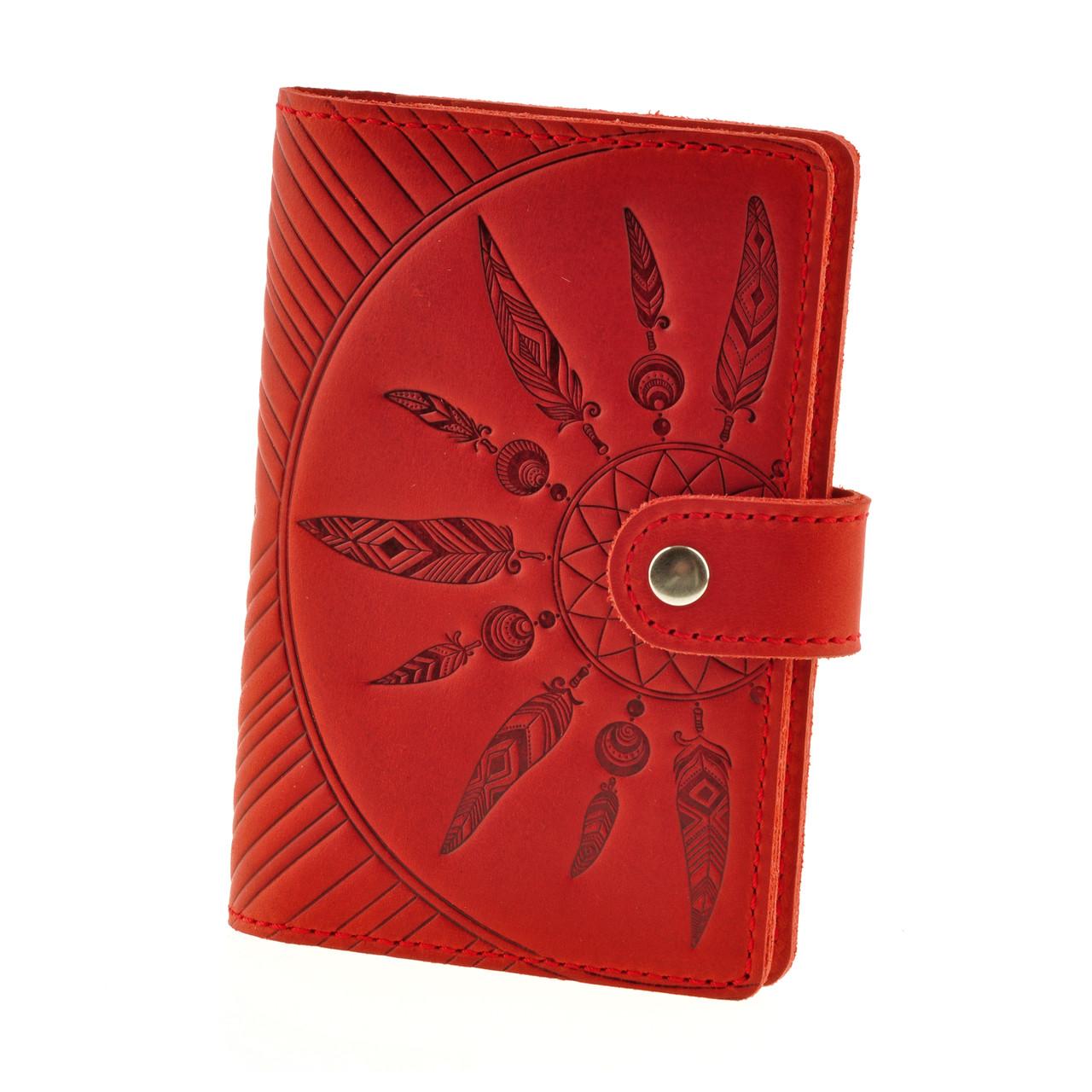 """Обложка для паспорта и карт кожаная закрывается на хлястик с кнопкой """"Инди"""". Цвет коралл"""