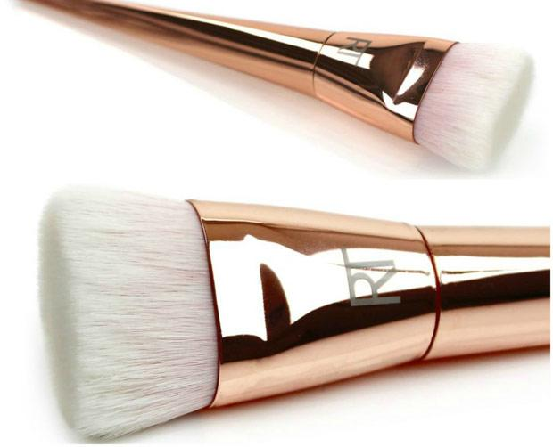 Real Techniques Bold Metals Collection 301 Flat Contour Brush