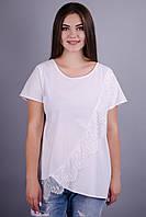 Джулия. Нарядная футболка для дам с пышными формами. Белый. 52