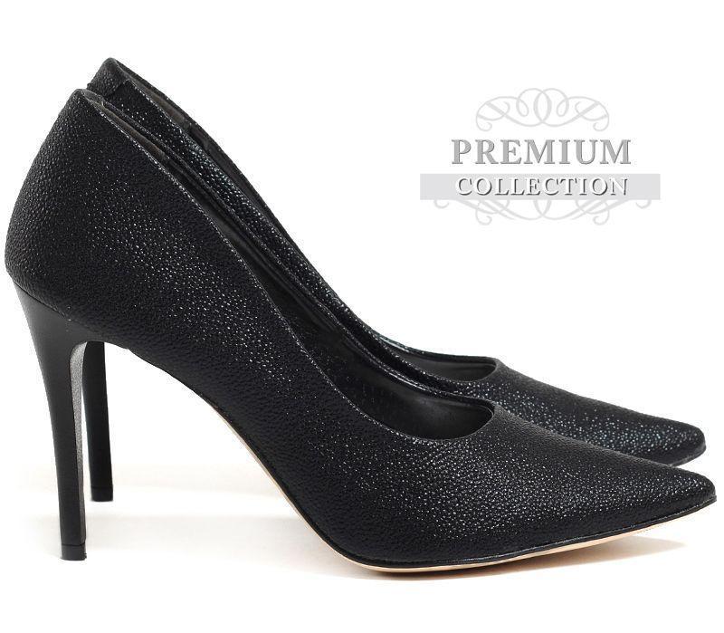 Женские классические туфли чёрного цвета