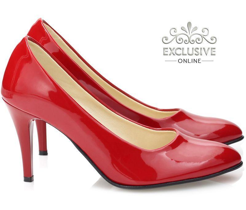 Классические чёрные женские туфли из искусственной кожи