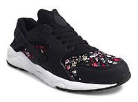 Красивые женские кроссовки разных цветов