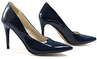 Туфли с острым носком женские