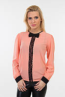 Блуза женская свободная с кружевной вставкой и бантиком