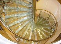 """Стеклянные лестницы (триплекс """"эффект колотый лед"""")"""