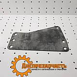 Прокладка кронштейна под дозатор ЮМЗ, фото 3