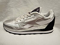 Женские кроссовки Reebok Classic Leather серебро