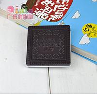 """Зеркальце с расческой """"Шоколадное печенье"""" квадратное черный шоколад"""