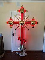 Крест со вставками красного стекла, подсветкой и напылением нитрид титана