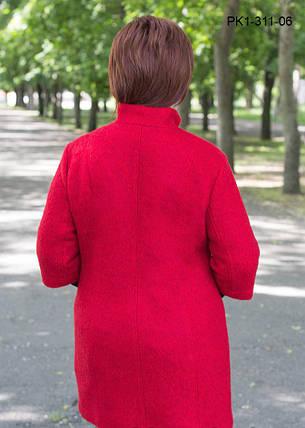 Женское полупальто полуприлегающего силуэта из шерстяной ткани – букле цвет красный размер 52-58, фото 2