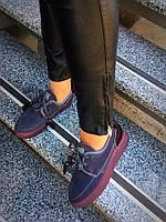 Змшевые женские туфли на шнуровке с кисточками серые