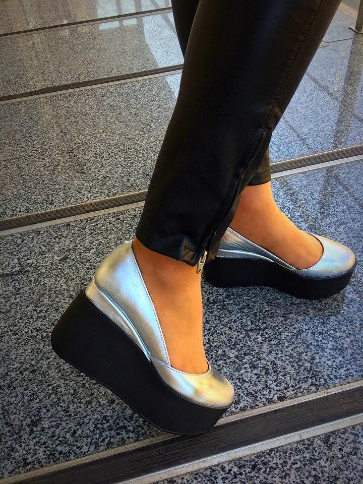 cb00978f929a Кожаные женские туфли Valery на платформе серебро