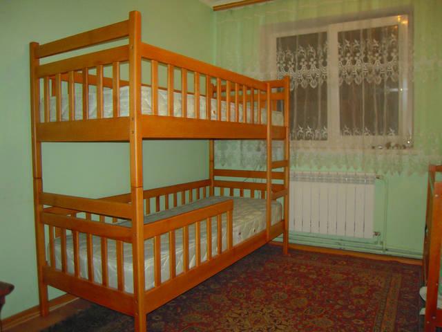 Двоярусне ліжко