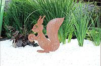 Садовая фигурка Белка 2 с орехом