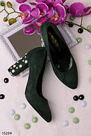 Женские туфли зеленые на удобном каблуке 9,5 см с бусинами закругленный носок эко-замш