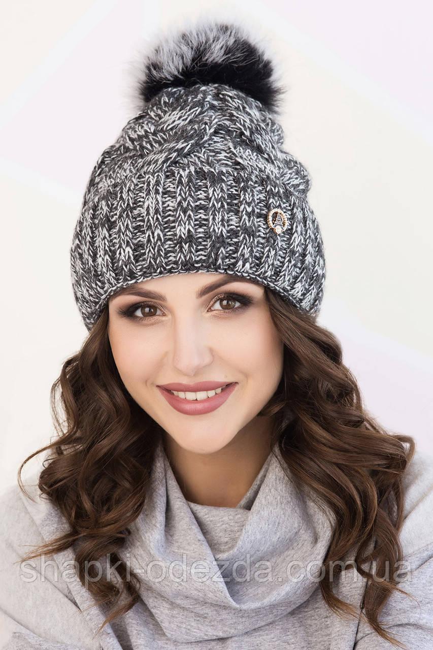 молодежная вязаная шапка для девочки меланж с натуральным помпоном