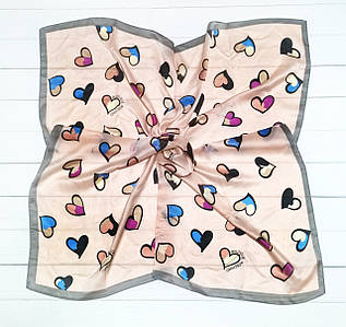 Платок Moschino, сердечки. 90*90 см