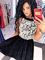 Бархатное платье, спина капелька, юбка-клеш, декольте украшено гипюром.