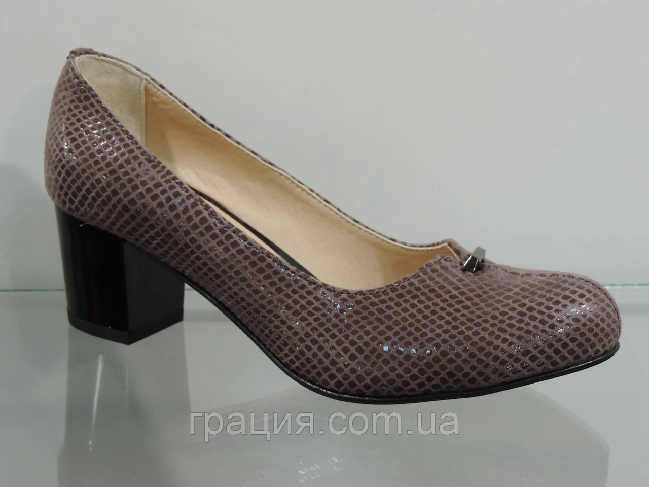 Жіночі туфлі натуральні на більшому підборах рептилія