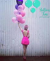 Яркий розово-синий фонтан с конфетти