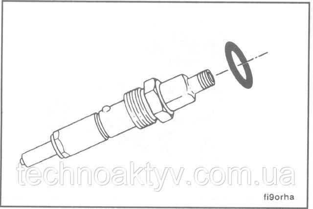 Установите новое уплотнительное кольцо в канавку верхней части прижимной гайки, так, чтобы кольцо не перекрутилось и не было срезано при установке (BOSCH и Stanadyne). В форсунках CAV уплотнительное кольцо остается внутри прижимной гайки.