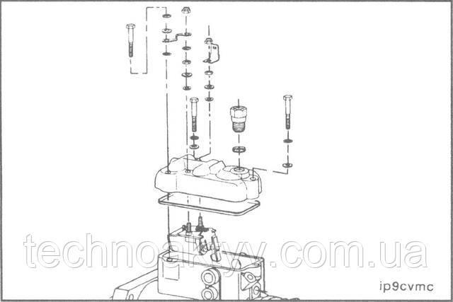 Stanadyne DB4  •Снимите электропровода.  •Снимите сливной топливопровод.  •Снимите рычаг отключения подачи топлива  •Снимите верхнюю крышку ТНВД.  •Разберите верхнюю крышку ТНВД.