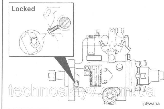 Ослабьте стопорный винт топливного насоса Stanadyne DB4 и передвинте специальную шайбу под ним. Затяните стопорный винт до вхождения в контакт с валом топливного насоса.