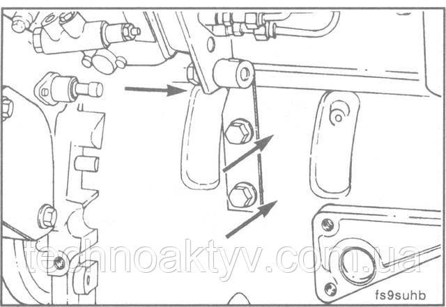 Ключ 10 мм  Установите кронштейн ТНВД. Сначала от руки затяните все болты крепления кронштейна.  ПРИМЕЧАНИЕ:Сначала затяните болт крепления кронштейна к блоку, а затем затяните болты крепления кронштейна к ТНВД.