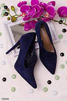Оригинальные женские туфли синие на шпильке с полузакрытым верхом эко замша