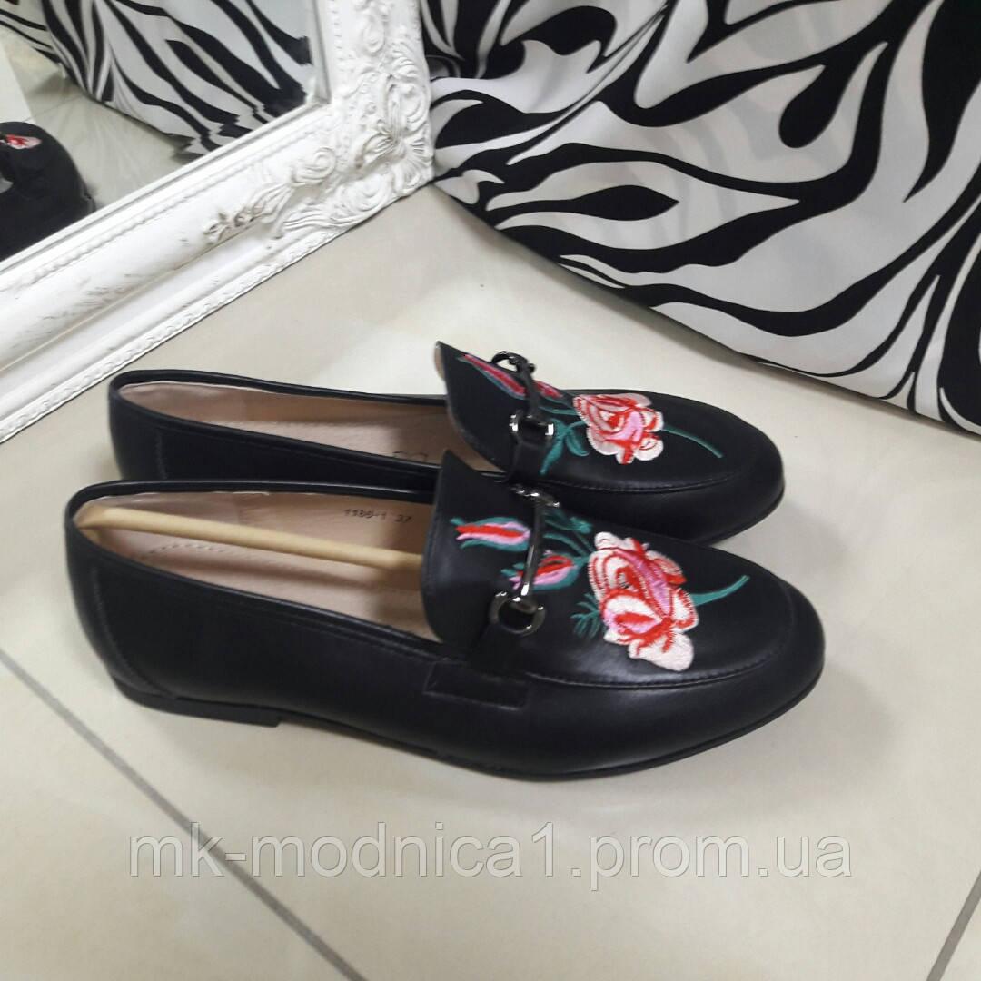 Женские туфли вышивка черные внутри кожа
