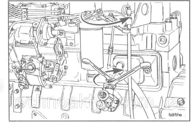Ключи 14 мм, 17 мм, 20 мм  Подсоедините топливопровод к топливоподкачивающему насосу и головке фильтра. При затяжке соединений топливопровода к насосу пользуйтесь двумя ключами.  Крутящий момент затяжки:24 Н • м [18 ft-lb]