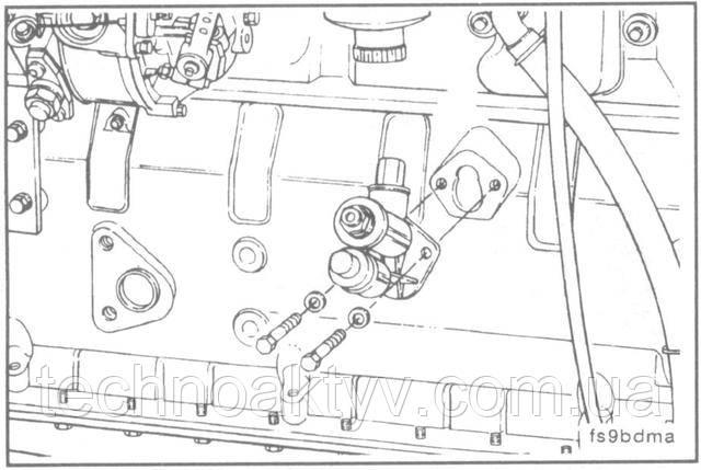 Ключ 10 мм  Снимите топливоподкачивающий насос.