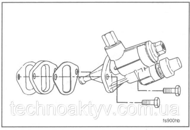 Ключ 10 мм  Внимание ! Крепежные болты затягивайте поочередно. После того, как болты затянуты, плунжер топливоподкачивающего насоса втягивается в насос. Невыполнение требования по равномерной затяжке крепежных болтов может привести к искривлению или поломке плунжера.  Установите насос.  Крутящий момент затяжки:24 Н • м [18 ft-lb]