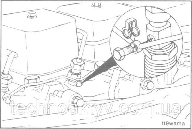 ПРИМЕЧАНИЕ:Поставьте новые уплотнительные шайбы и петлевые прокладки .  Установку сливного и дренажного топливопроводов производите в обратном порядке.