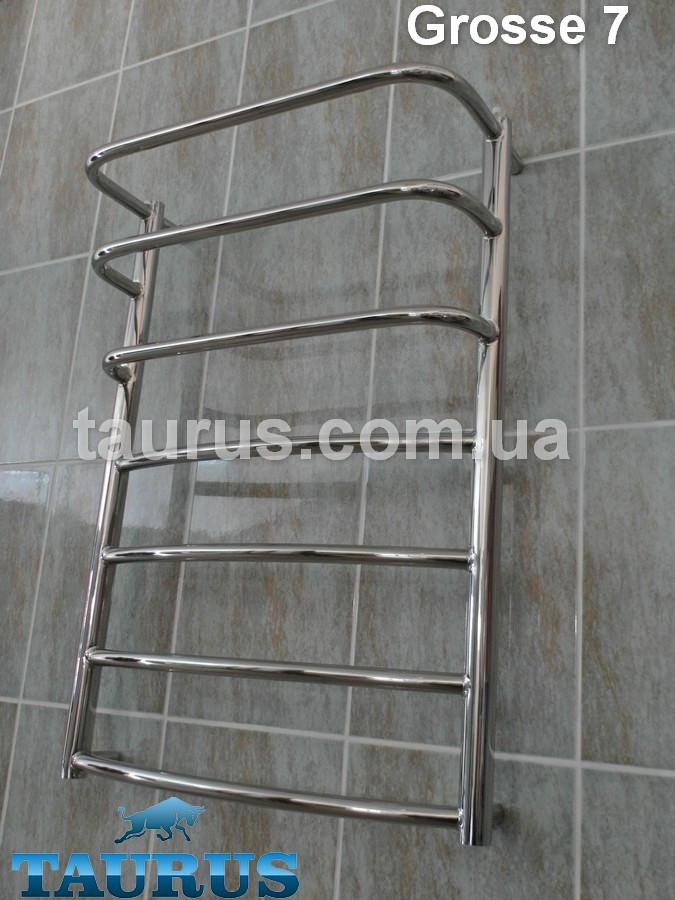 Укзий полотенцесушитель Grosse 7/3 для ванной комнаты / 750х 400 мм. с выступающим каскадом вверху