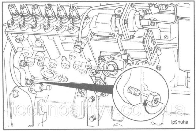 Ключ 15 мм  Затяните установочные гайки.  Крутящий момент затяжки: 43 Н • м [32 ft-lb]