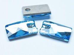 3500 Pendular Lochrose 9x5,5 mm, Aquamarine (202)