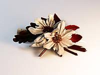 Белые цветы с гранатовой серединкой, фото 1