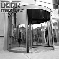 Автоматическая револьверная дверь Kaba Talos на три створки, d=2400мм