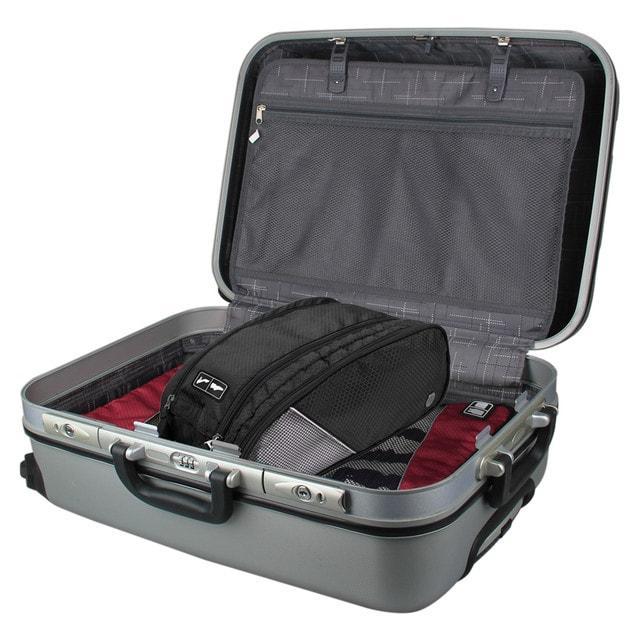Сумка-органайзер для обуви в чемодане