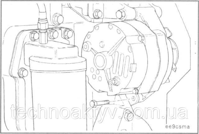 Ключ 14 мм  Снимите болт натяжной планки генератора.