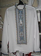 Сорочка мужская цвет белый лен узор голубой   , сорочка машинной вышивки от производителя модель ВГ22