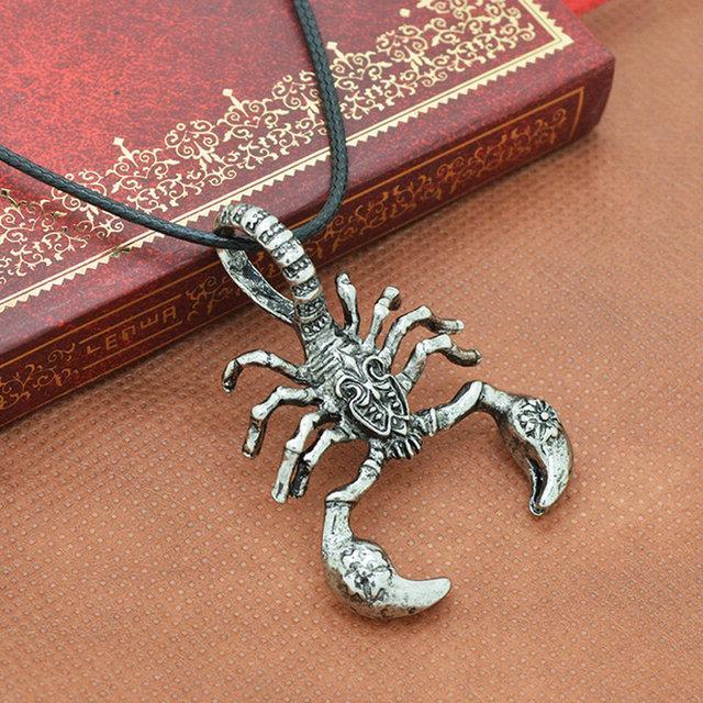 Оригинальный кулон серебристый Скорпион