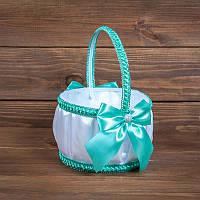 Свадебная корзинка для лепестков с бирюзовыми баниками (арт. BP-104)