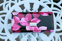Кошелек женский кожаный лакированный с принтом розовые цветы DANICA