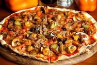 Кич с высушенными помидорами и оливками
