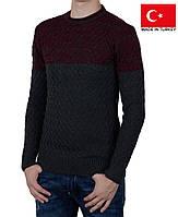 Молодежный пуловер с рельефным узором.