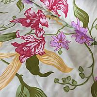 Сатин с крупными разноцветными цветами на бледном салатовом фоне, ширина 220 см, фото 1