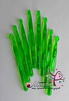 Пластмасовый крючок для вязания № 10