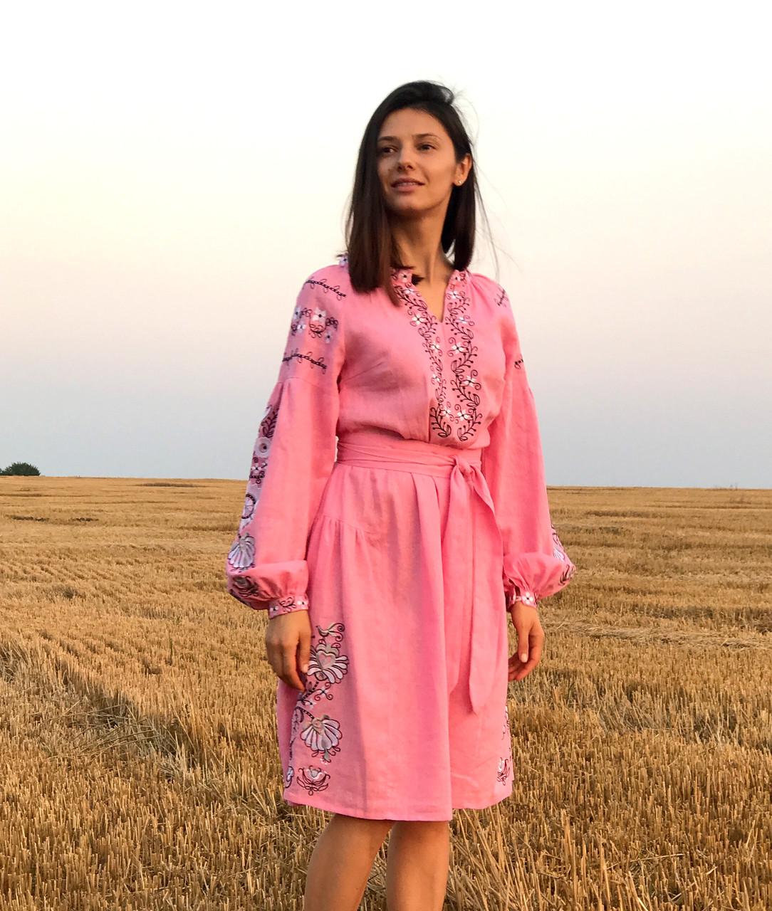 Вишите лляне рожеве плаття з машинною вишивкою